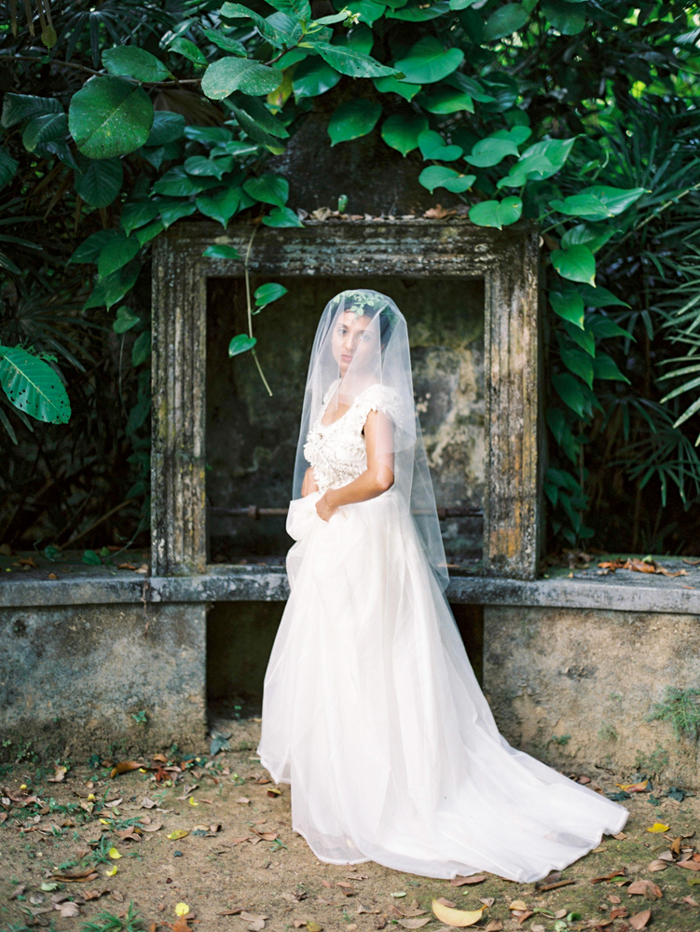Tropical garden destination wedding inspiration / Sri Lanka / photography: jasminepettersen.com